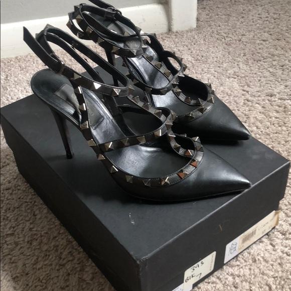 Valentino Shoes - Valentino Rockstar Garvani T-Strap Pump